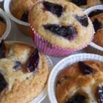 Muffin con susine e nocciole tritate