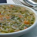 Minestrone di verdure con il pesto