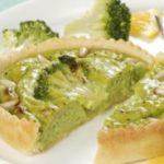 Tortine salate con broccoli e pinoli