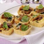 Tartellette con fichi e speck